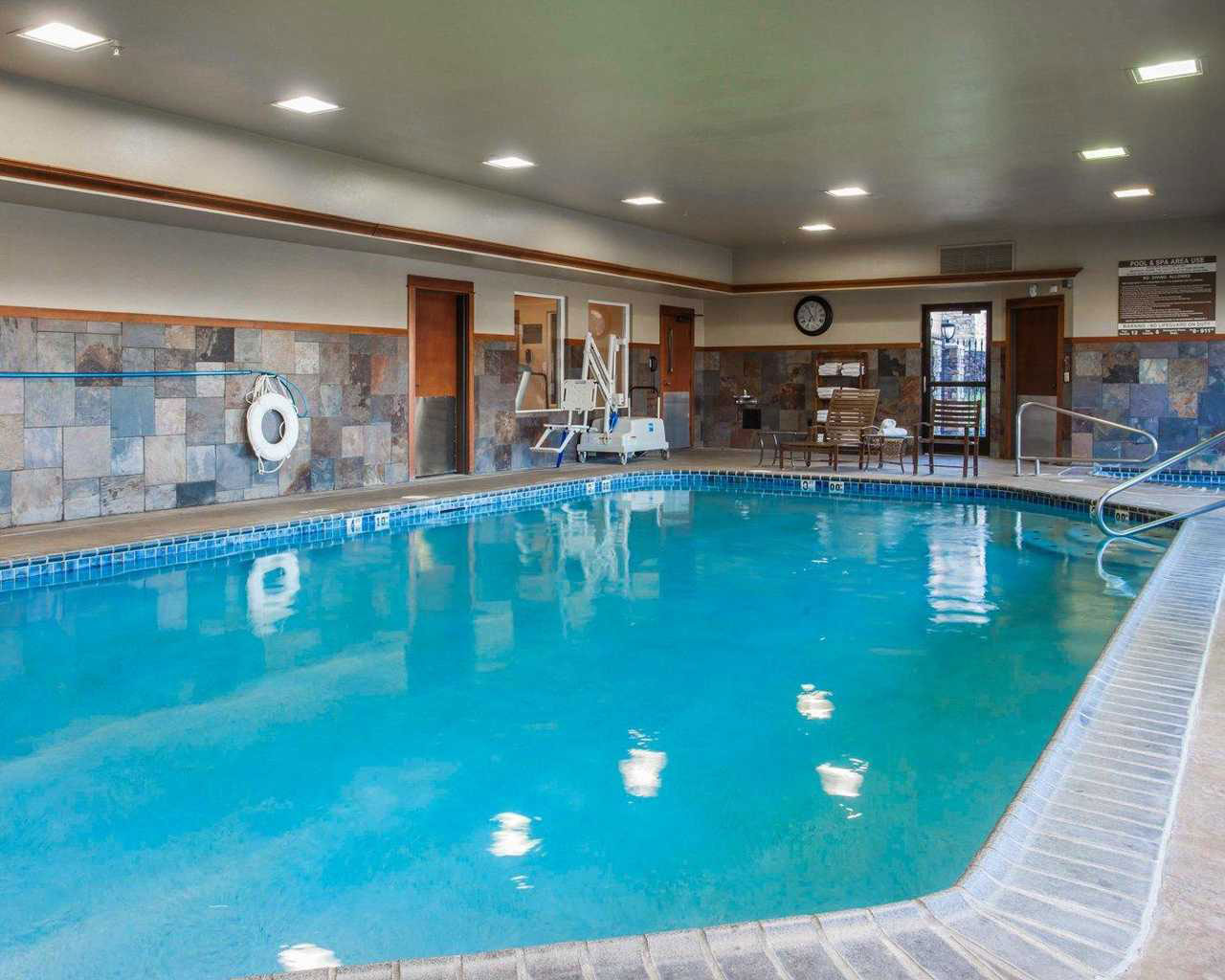 Moses Lake Hotel In Room Hot Tub